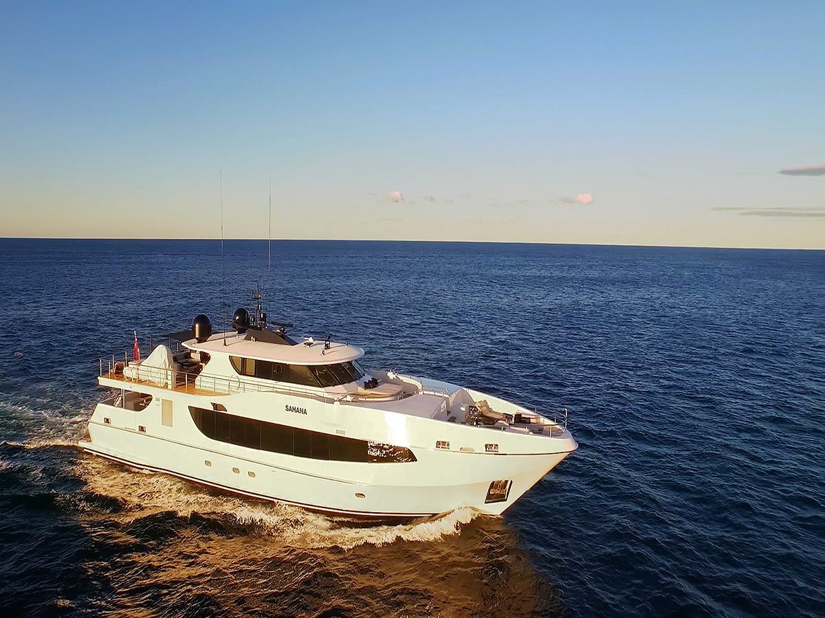 Super Yachts & Jets, The Perfect Match   Adagold Aviation   Adagold Luxe